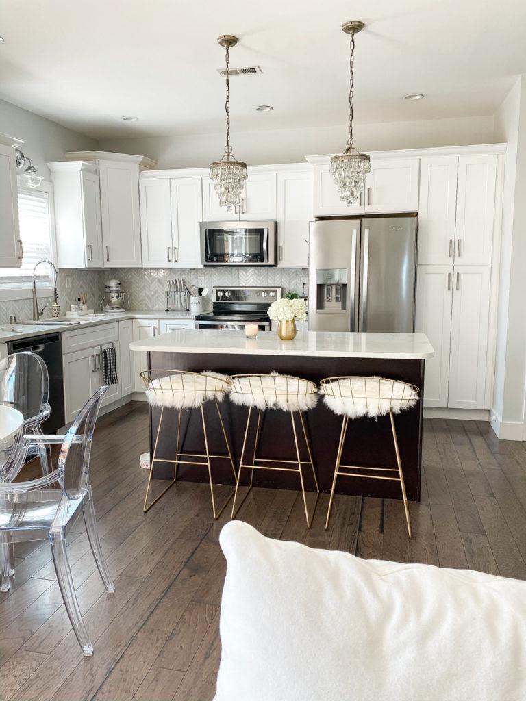 all white kitchen decor