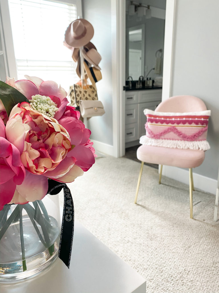 pink home office decor