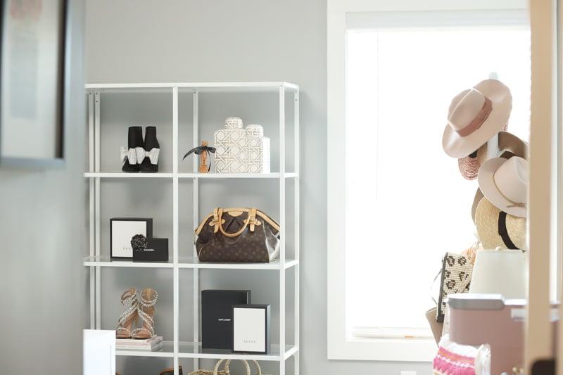 home office shelf decor